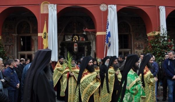 Κυριακή των Βαΐων στην Ιερά Μεγίστη Μονή Βατοπαιδίου – 5/4/2015 (Φώτο και Βίντεο)